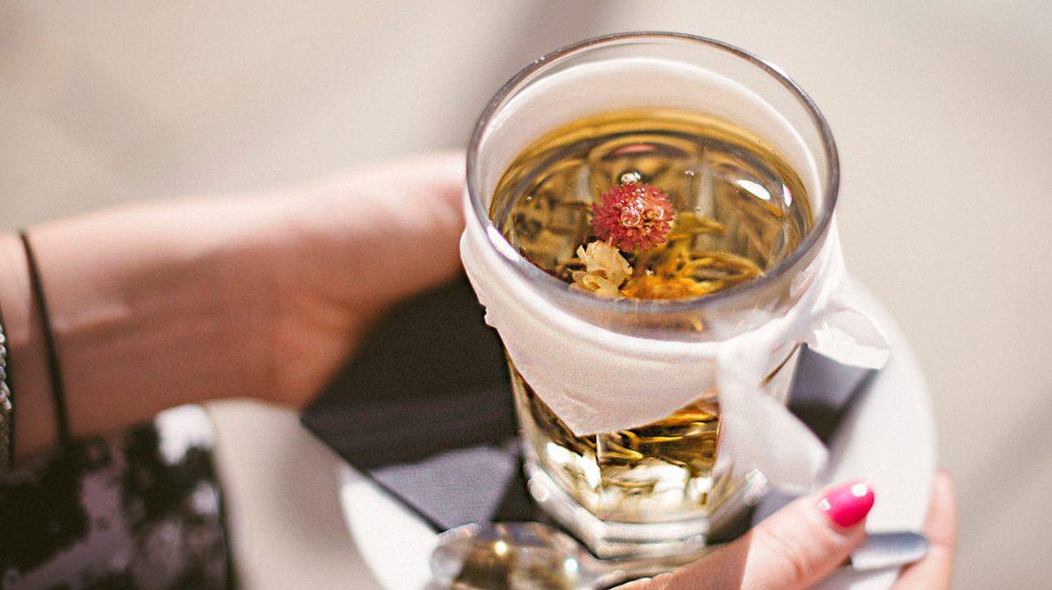 echinacea_tea_in_cup-1296×728-header-1296×728